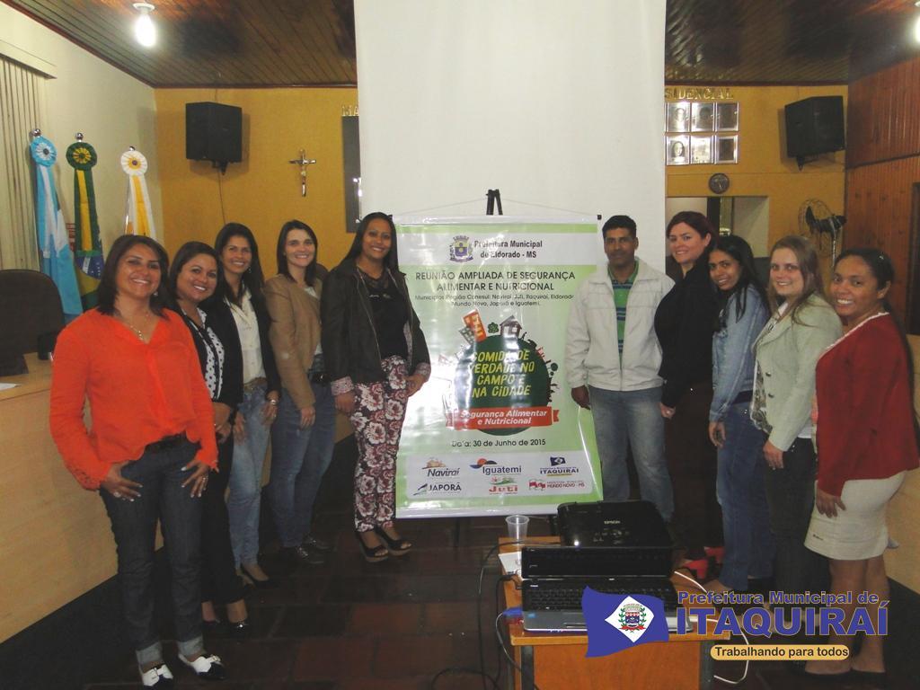 Equipes da assistência social saúde e secretaria de agricultura que participaram da reunião sobre segurança alimentar em eldorado