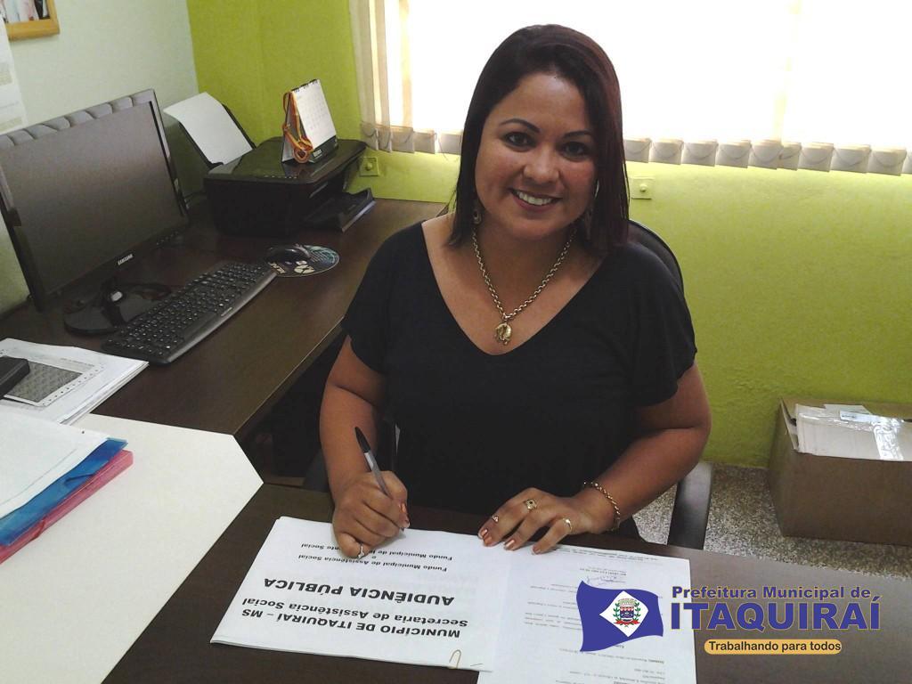 Maria aparecida fávaro secretária de assistência social da prefeitura de itaquiraí 1024x768