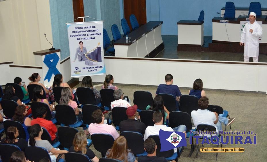Pipoqueiro mais famoso do brasil valdir dá palestra de motivação em itaquiraí